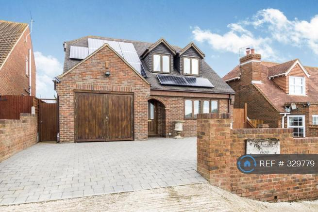 4 bedroom house in Cliff Drive, Isle Of Sheppey, ME12 (4 bed)