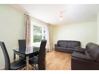 Bright And Spacious 4 Bedroom With No Lounge, Located Near Highbury & Islington Station.