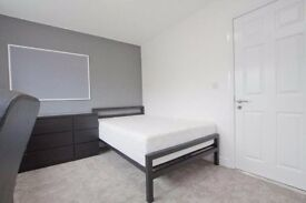 Top Floor Double Bedroom with En Suite - Bills Incl. (SUMMER SHORT TERM)