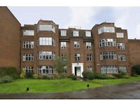 STUNNING 3 BEDROOM APARTMENT IN GORGEOUS LOCATION IN ROEHAMPTON!!!