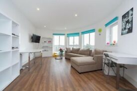 2 Bed Flat next to Wimbledon Chase station and school-1600/month