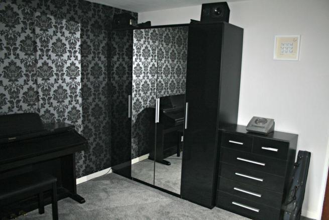 Genial SOLD: Very Prague High Gloss 4 Door Wardrobe (£170) And Prague