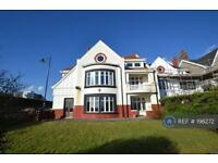 3 bedroom flat in Esplanade, Porthcawl, CF36 (3 bed)