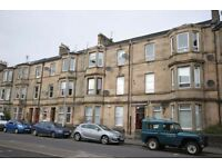 Fantastic Spacious Traditional Flat in Paisley - 1/2 Bedroom
