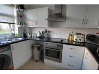 Two bedroom ground floor flat situated in this quiet area of Chertsey with separate dining area