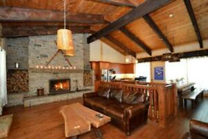 Fantastic 9 Bed Blue Mountain Chalet with Hot Tub - Sleeps 20
