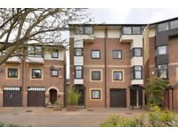 THREE COLTS STREET E14 - 4 BED HOUSE TO RENT - £646.00 PER WEEK - AVAILABLE END OF AUGUST