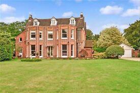 5 bedroom detached house for sale in CM12 Billericay Essex United Kingdom