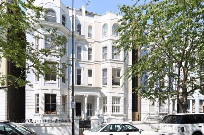 ***NOTTING HILL*** - Two Bedroom Apartment