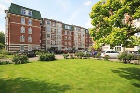Large Three Bedroom Two Bathroom Flat to rent in Ealing Broadway West London Available Now