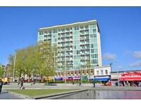 2 Bed 2 Bath Located in Woolwich- Minutes from the DLR