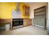BEAUTIFUL 2 BED PERIOD PROPERTY ** Spacious** Great transport links
