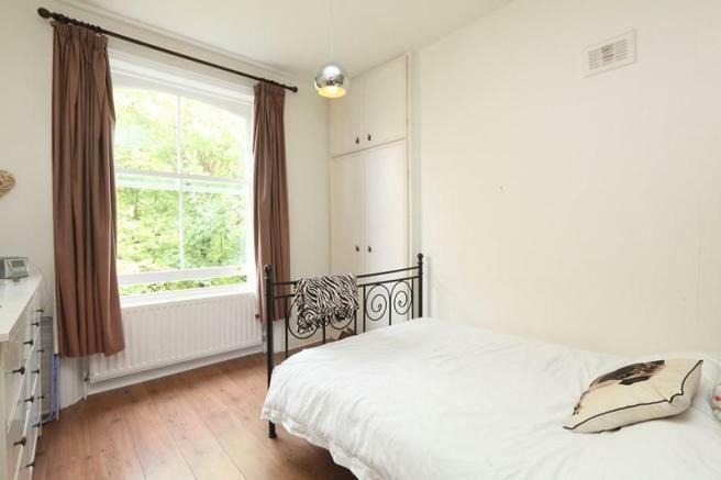 MODERN FINISH THROUGHOUT THE WHOLE PROPERTY CLOSE TO FINSBURY PARK STATION