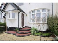 2 bedroom house in Highcroft Gardens, London NW11