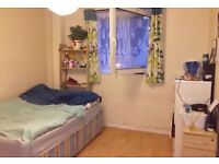 SPACIOUS DOUBLE ROOM AVAILABLE IN BETWEEN BETHNAL GREEN STATION AND STEPNEY GREEN STATION ZONE 2