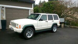 2001 Jeep Cherokee SUV,