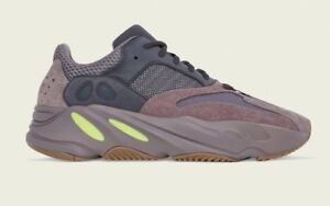 Yeezy Mauve size 10 STEAL