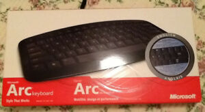 NEW Microsoft ARC WIRELESS KEYBOARD (never used) can be used wit