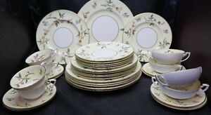 36 PIECES OF ROYAL WORCESTER CHEVY CHASE DINNERWARE