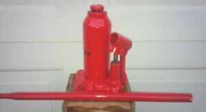 Hydraulic Bottle Jacks $10 each Call or Text 705-440-9159