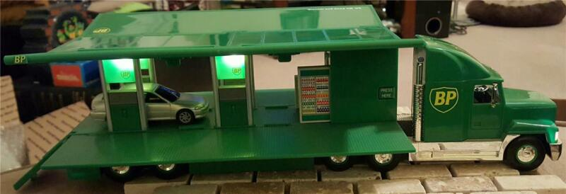1997 ~ BP ~ Mobile Transforming Gas Station Toy Truck ~ Lights & Sound