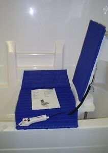 Bath lift Aquatec  R ** Just like new ** Delivery included **