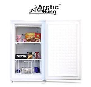 USED ARCTIC KING UPRIGHT FREEZER 3.0 CU. FT. - WHITE - FREEZER HOME KITCHEN APPLIANCE FRIDGE 79916241