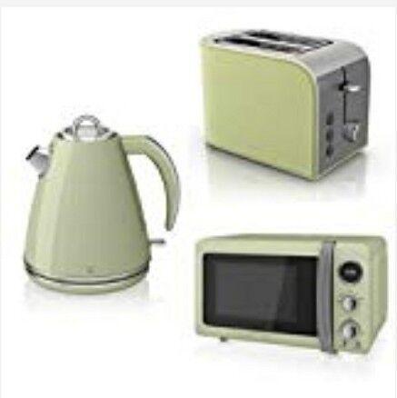 Swan Microwave Kettle Toaster Set