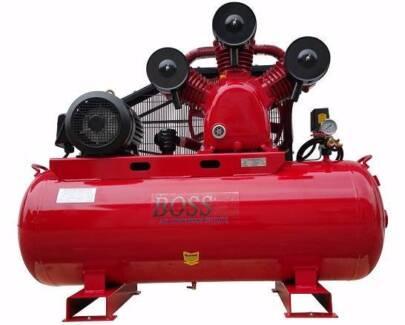 BOSS 52CFM/ 10HP Air Compressor on 300L Tank