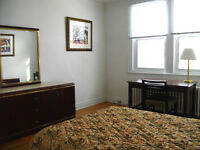 4 FURNISHED BEDROOMS, 6 MINUTES to McGILL U. & DOWNTOWN MONTREAL