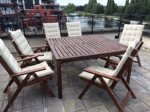 Ikea garden patio furniture 1 table and 6 chairs less for Outdoor furniture london