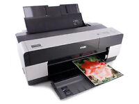 Epson stylus pro 3880 Giclee printer Almost new...£750 with A2 & A3 Hahnemühle paper included