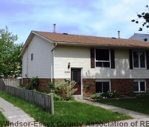 East Windsor Fully Renovated 3 Bedroom Home For Rent!