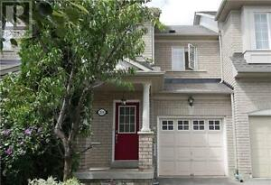 318 Marble Pl Newmarket Ontario Beautiful House for sale!