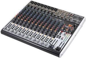 Behringer Xenyx X2222 USB - mixeur 22 canaux avec effets