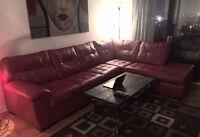 Magnifique divan en cuire rouge sectionnel