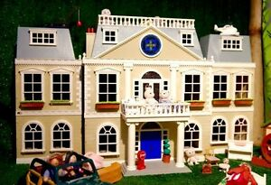 'SYLVANIAN FAMILIES' GRAND HOTEL 3 STOREY DOLL HOUSE!  PLUS EXTRA Narrabeen Manly Area Preview