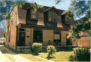 upper 2 bedroom apt with parking and laundry London Ontario image 1