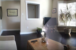 Huge 2 bedroom and den/2nd bedroom with private patio
