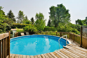21ft Above Ground Pool plus Deck - Piscine 21 pieds avec terrass