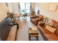 Central 2 bedroom flat, in Tollcross. Bright & quiet. Fully furnished.