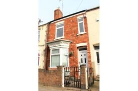 4 Bedroom Mid Terrace House - Gordon Street, Gainsborough - Offers Welcome