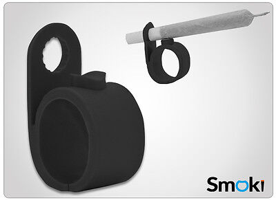 NEW Smoki Smoking Cigarettes/Tobacco/Weeed/Joint Holder Ring Black Colored