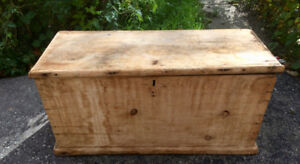 Antique /Blanket / Carpenter  Chest / Trunk / Box  Coffee Table