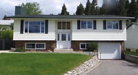 Beautiful mountain views 4 bedroom home in Crowsnest pass