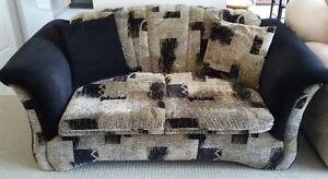 SOFA & LOVESEAT + ACCENT PILLOWS- MADE IN CANADA (REDUCED PRICE) London Ontario image 3