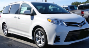2019 Toyota Sienna LE 11,000km