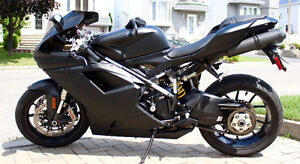 Ducati 848 Evo Matte Black - Bundle