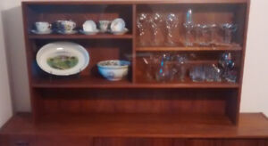 Shelf unit for buffet or counter