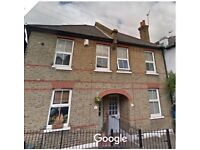 Charming 2 bed cottage to rent in a leafy conservation area of South West London......